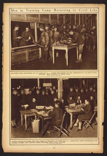 Los hombres en el campo de entrenamiento Volviendo a la Vida Civil (LOC) de la Biblioteca del Congreso