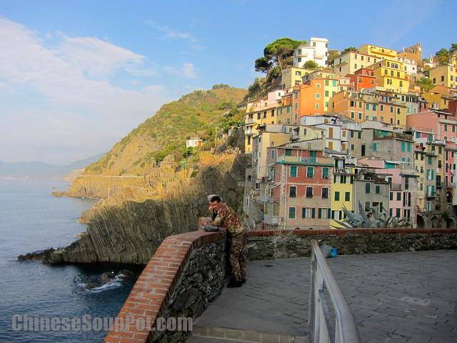 [photo-shoreline of coastal Riomaggiore in cinque terre]