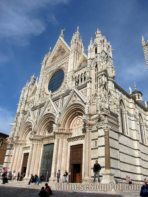 [photo-main entry and facade of florence duomo santa maria del fiore cathedral]
