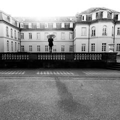 (Martin Gommel) Tags: street blackandwhite bw contrast umbrella germany sw schwarzweiss karlsruhe kontrast 1x1 quadrat quadratisch schirm img5221 zimtsternin streetspecial