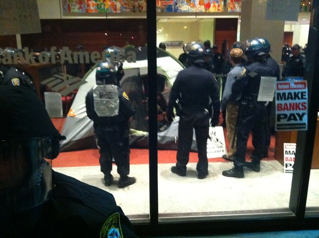 #ows @sfpd  arresting #BofA #tent mostly #occupysf people #occupycal