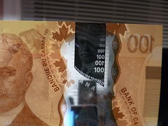 2011 Canada New Polymer $100 - front - pix 02