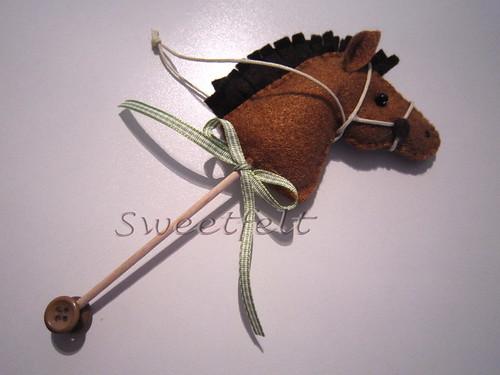 ♥♥♥ Zézé, o cavalinho de pau... by sweetfelt \ ideias em feltro