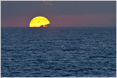 The Sun Sets Into The Caribbean (glness) Tags: cruise sunset sea islands jamaica caribbean cayman gregness