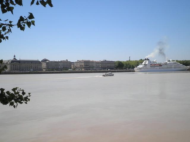 Seabourn Pride à l'accostage - Bordeaux - P5250249