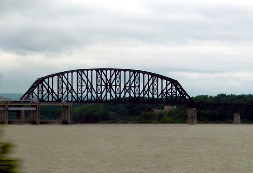 06-26-2011_Cool bridge over Ohio River