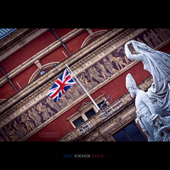 The Union Jack at the Royal Albert Hall (Hallenser) Tags: uk royalalberthall unionjack englandlondon 2011 princealbertmemorial
