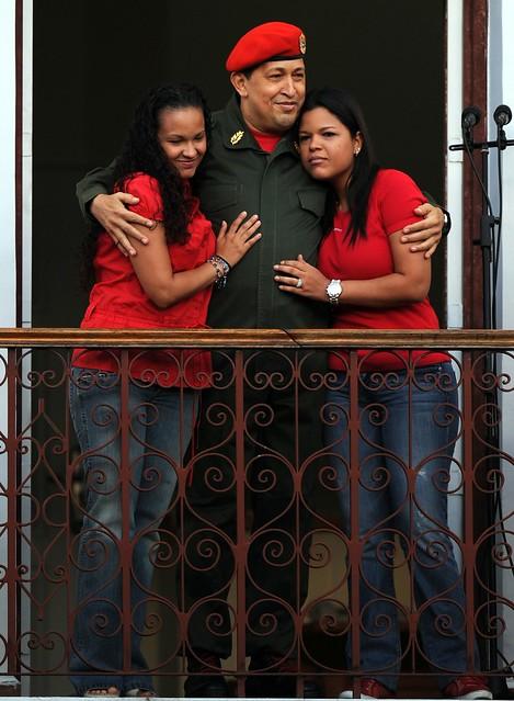 Presidente Chávez en el balcón del pueblo