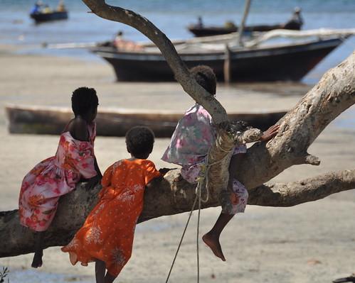 Young girls in Tumbe