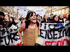 ( - Demonstration - ) ... tribute to protesters (Alexandre Moreau | Photography) Tags: paris public students french moving action expression banner streetphotography scene demonstration together boxed slogan crisis protesters manif occupancy lru engrve