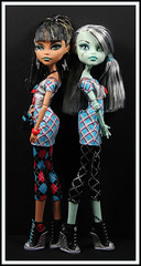 Who Wears It Better? (DollsinDystopia) Tags: mattel dollphotography frankiestein gloombeach monsterhigh cleodenile dayatthemaul
