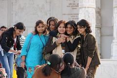 Jaipur, Birla Lakshmi Narayan Temple, girls