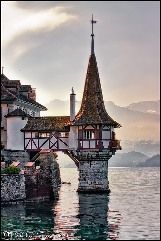 Suiza - Pueblos con encanto - Oberhofen - Castillo