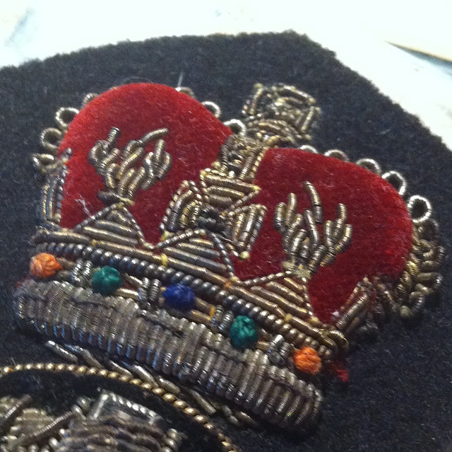 Beautiful but unidentified RCN hat badge (?) 6287132390_587f7ccbcd_z