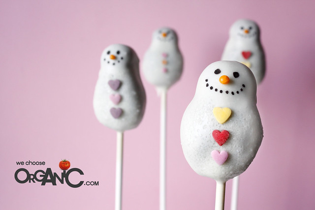 Cute and Lovely Christmas Snowman Oreo Cake Pops