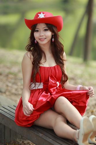 無料写真素材, 人物, 女性  アジア, ワンピース・ドレス, 台湾人, 女性  座る, 帽子