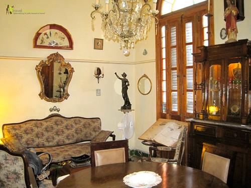 1932 Salon Full of Collectibles - Casa Particular - Havana Centro Cuba