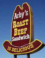 "Classic Arby's ""Big Hat"" neon and bulbs - Galesburg, Illinois (Lights in my hometown) Tags: hat sign vintage illinois big neon fastfood eat bulbs lit arbys roastbeef unlit galesburg knoxcounty"