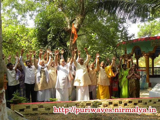 Sankirtan group circling Puri (Srikshetra)