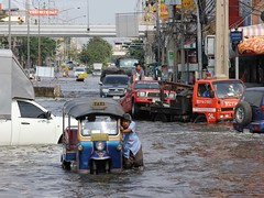 IMG_4316 (Sarene BKK) Tags: road street urban water thailand flood bangkok transportation disaster damage thaland