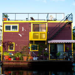 Floating House (PoppetCloset) Tags: summer canada harbor afternoon bc waterfront britishcolumbia august victoria vancouverisland floatinghouses