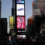 "newyork2012 (2) <a style=""margin-left:10px; font-size:0.8em;"" href=""http://www.flickr.com/photos/44105515@N05/6850480886/"" target=""_blank"">@flickr</a>"