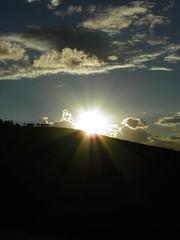 Sol da tarde (bettolves) Tags: sol flickr olympus nuvens beto silhuetas bettolves mygearandme ringexcellence