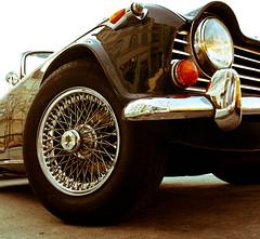 Keep Rolling (Tekke) Tags: auto old uk berlin car nikon alt speichen nostalgie britisch d90 felgen scheinwerfern