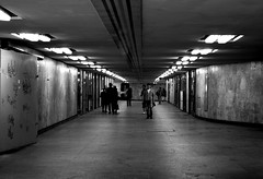Station.  Explore (18 06 2011) (Campanero Rumbero) Tags: city people station subway day gente metro perspective dia estacion usuarios poznan profundidad polland caminantes
