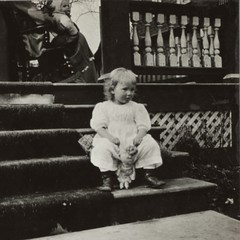 (animated stereo) A Child Sits on the Steps, 1916 (Thiophene_Guy) Tags: blackandwhite bw history girl monochrome children stereogram 3d doll stair child jiggly wiggly stereo porch stereoview animated gif jiggle parallax animatedgif 1910s 20thcentury wiggle 1916 derivativeworks stereophotomaker thiopheneguy motionparallax animatedstereo imagesharedbythewikimediacommons imageconservedbynewyorkpubliclibrary