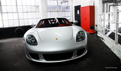 Porsche Carrera GT (Willem Rodenburg) Tags: red house 3 london photoshop silver nikon 33 interior parking lot picasa special arab porsche 1855 gt mayfair supercar willem carrera qatar londen lightroom costum bespoke grosvenor d40 hypercar rodenburg