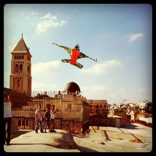 Cometas en los tejados de Jerusalén