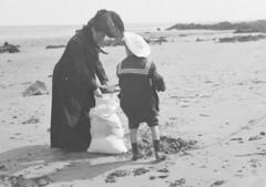 Anglų lietuvių žodynas. Žodis sandbagging reiškia <li>smėlio maišymas</li> lietuviškai.