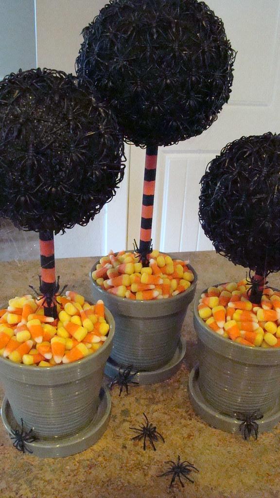 Terrifying Halloween Topiaries Jennifer Perkins