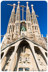 Sagrada Famlia (Thelma Gatuzzo) Tags: barcelona city travel cidade espaa arquitetura architecture spain espanha europa europe gaudi viagem catalunia sagradafamlia mygearandme mygearandmepremium blinkagain thelmagatuzzo thelmagatuzzo