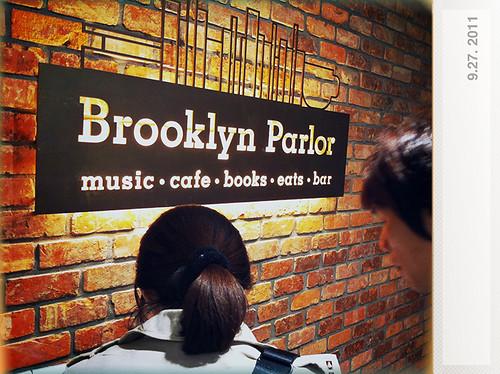 Brooklyn Parlor - 一個有書有音樂的餐廳。東西很好吃,氣氛很棒。推薦。