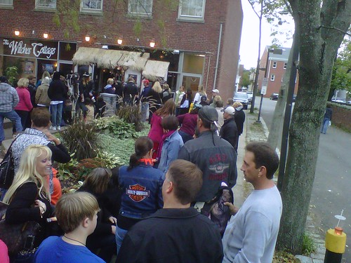 Yeah, it's just a little busy  today in #Salem. Here's the line outside our show. by arthennessey