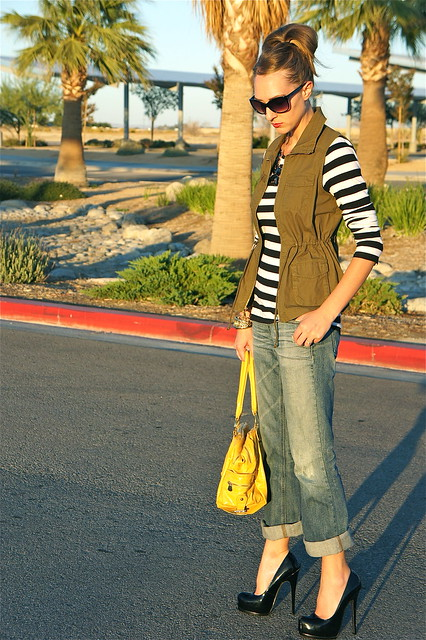 Dressed up jeans outfit with cargo vest