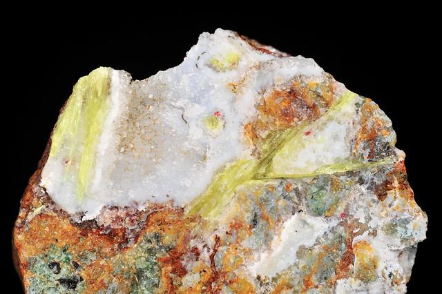 有機鉱物 - 結晶美術館