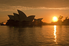 P&O arrives at Sunrise (Dawn Woodhouse) Tags: sun house sunrise opera sydney australia icon po operahouse iconic luxury daybreak liner wow1 wow2 wow3 wow4 luxuryliner wow5
