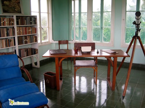 6307145924 1580528a83 Ernest Hemingways House, Cuba   Photo Essay