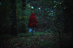 (Noukka Signe) Tags: red green girl project woods away running run riding hood 365 runaway signe noukka