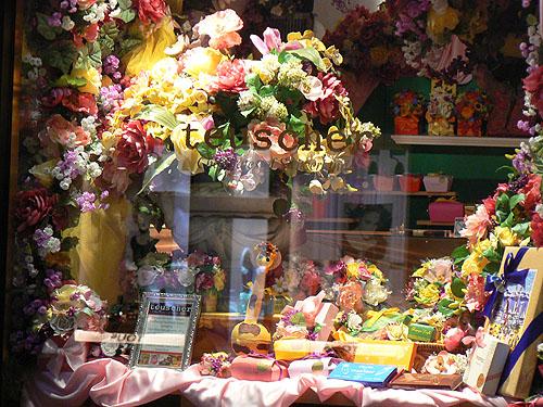 la vitrine de Teuscher Chocolatier.jpg