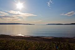 Aux abords du Lac Supérieur (transfear) Tags: blue red summer sky cloud sun lake ontario canada beach rouge soleil eclipse lac wave superior bleu ciel été nuage vague plage gs mitsubishi 2011 supérieur