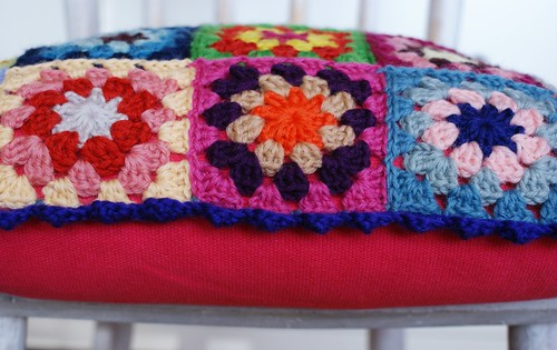 granny square cushion with pink back