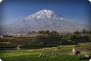 falzone-michele-el-misti-volcano-and-arequipa-town-peru
