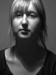 Serieuze blik (3Aelisewouters) Tags: portret serieus marjoleinwouters