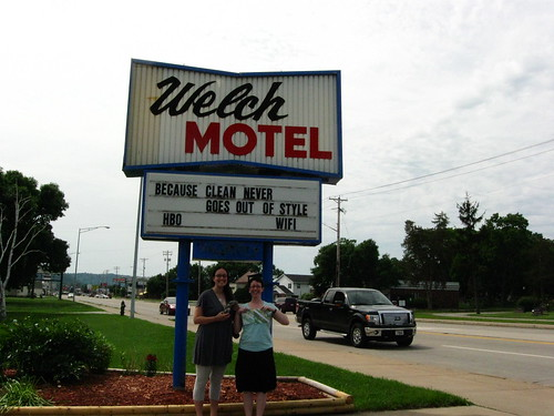 mel-mel at the welch motel