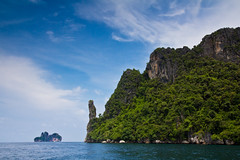 Phi Phi Ley Island (Jim Boud) Tags: ocean travel vacation seascape water landscape thailand islands colorful asia southeastasia paradise tour turquoise relaxing vivid wideangle cliffs thai tropical tropicalisland colourful lush phuket efs lightroom artisticphotography superwideangle asiapacific phiphiislands phuketisland phiphiley jimboud canoneos60d jamesboud canonefs1585mmf3556isusm canon1585mm