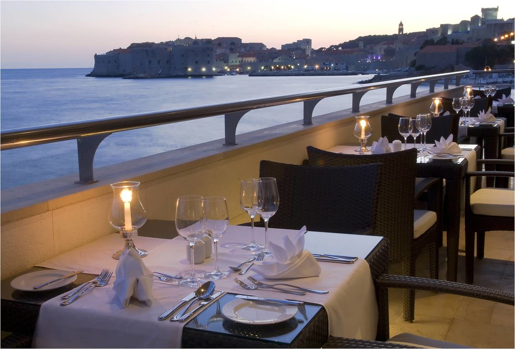 Excelsior Hotel & Spa restaurant salin